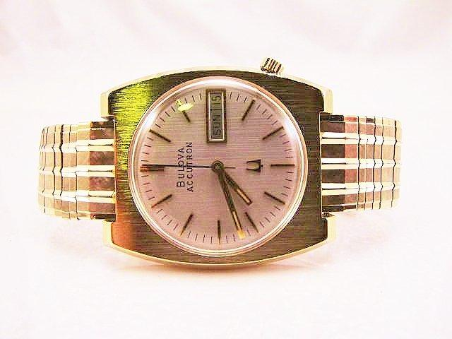 1975 Bulova Accutron Day/Date 2182