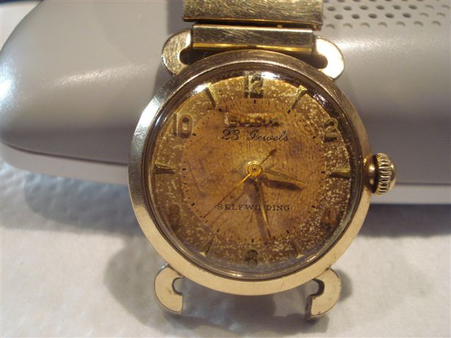 Bulova watch 23 jewels case ser#C787489 submitted  by keys36m@yahoo.com