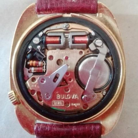 Bulova accutron day & date gold 1969