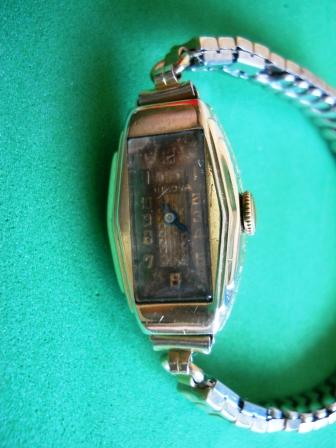 1932 Bulova Carolyn watch