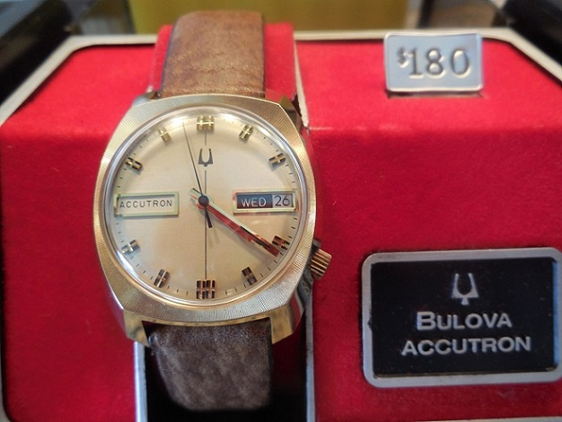 dtemple03 1976 Accutron Day and Date AV 03 21 2014