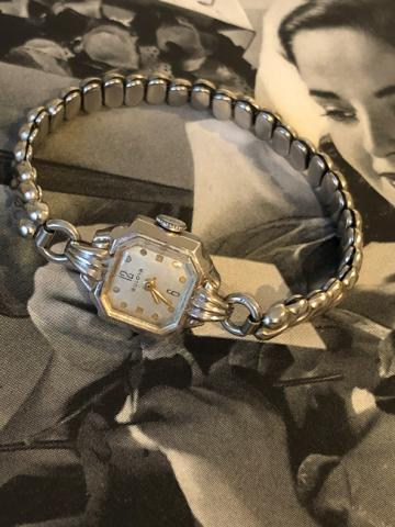 1948 Bulova Her Excellency B watch